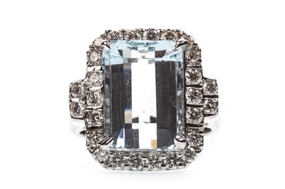 Lot 78-AN AQUAMARINE AND DIAMOND RING