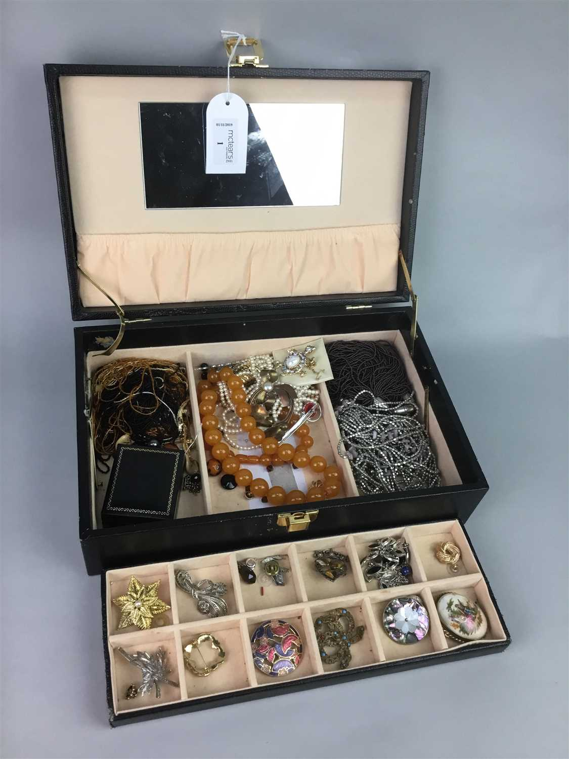 Lot 1-A LOT OF COSTUME JEWELLERY CONTAINED IN A SIMULATED SNAKESKIN CASE
