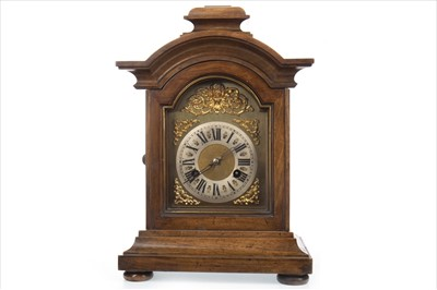 Lot 1107-AN EARLY 20TH CENTURY MANTEL CLOCK