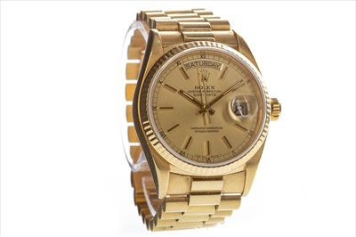Lot 750-A GENTLEMAN'S ROLEX GOLD WATCH