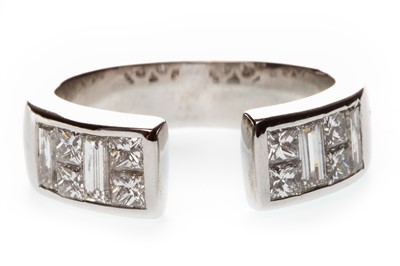 Lot 32-A DIAMOND DRESS RING