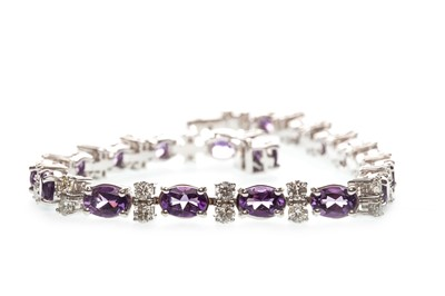 Lot 46-AN AMETHYST AND DIAMOND BRACELET