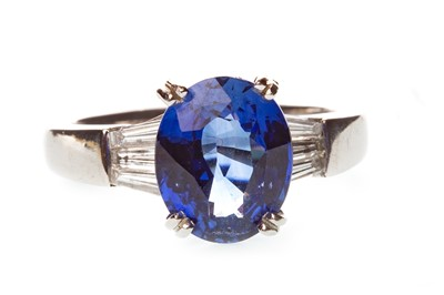 Lot 49-A SAPPHIRE AND DIAMOND RING