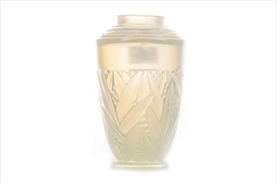 Lot 1207-A SABINO OPALESCENT GLASS VASE