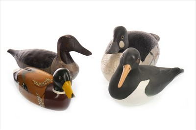 Lot 1623-A LOT OF THREE DUCK DECOYS AND A CERAMIC DUCK
