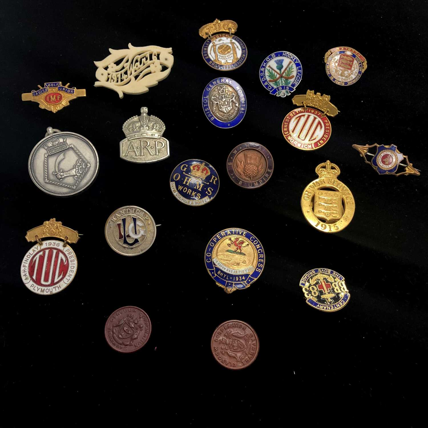 Lot 2-A LOT OF HOCKEY, GOLF AND WARTIME BADGES