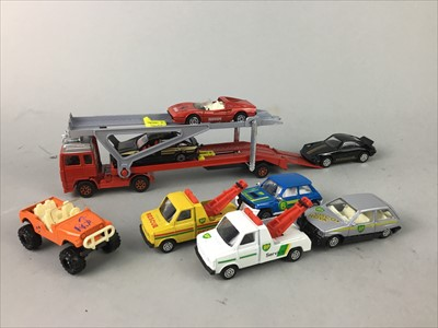 Lot 351 - A LOT OF CORGI DIE CAST MODEL VEHICLES AND OTHER MODEL VEHICLES