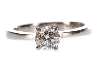 Lot 251-A DIAMOND SOLITAIRE RING