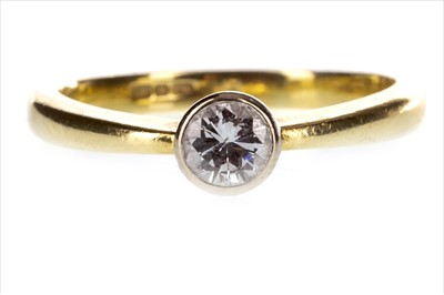 Lot 258-A DIAMOND SOLITAIRE RING