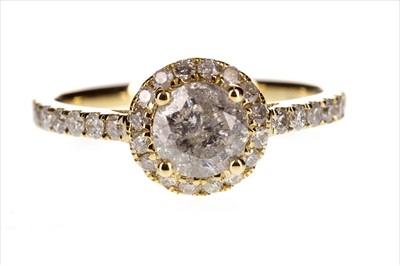 Lot 255-A DIAMOND DRESS RING