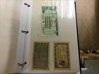 Lot 4-A LOT OF UK AND OTHER 20TH CENTURY BANKNOTES