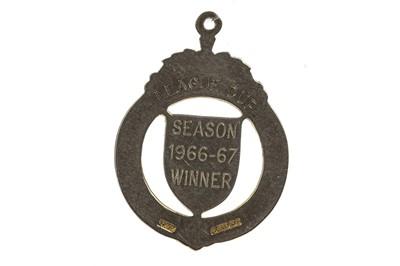 Lot 1704 - CELTIC F.C. INTEREST - RONNIE SIMPSON'S S.F.L. LEAGUE CUP GOLD WINNERS MEDAL 1966/67