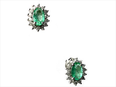 Lot 314-A GREEN GEM AND DIAMOND NECKLACE AND EARRINGS