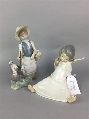 Lot 17-A LOT OF LLADRO FIGURES