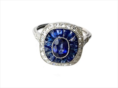 Lot 328-A SAPPHIRE AND DIAMOND RING