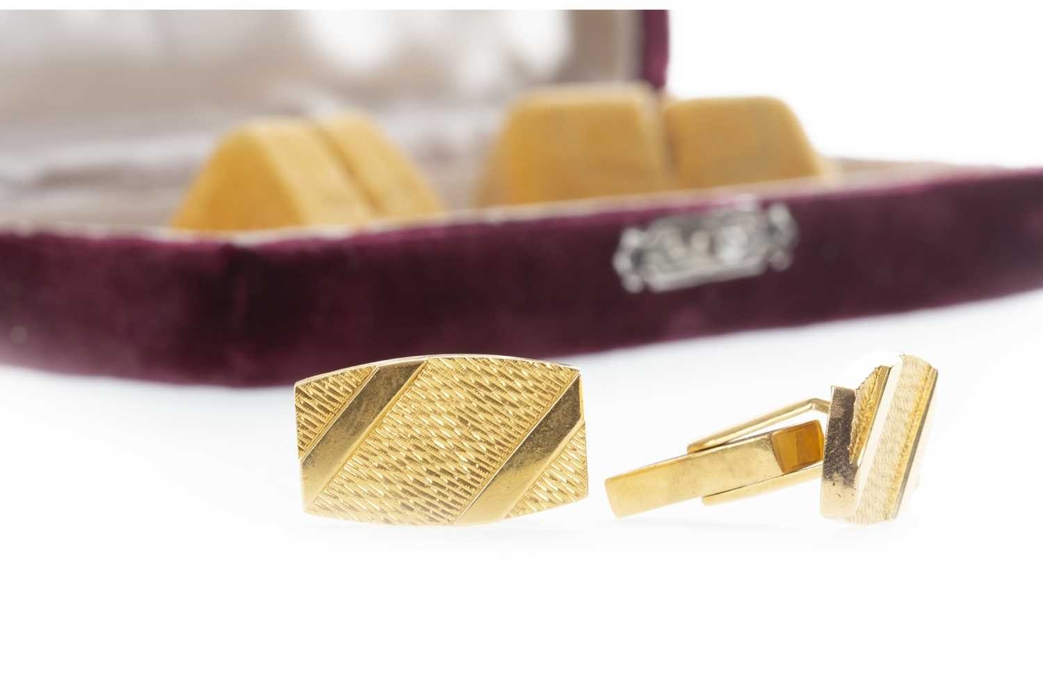 Lot 302-A PAIR OF 1970S CUFF LINKS