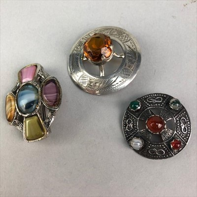 Lot 20-A LOT OF SILVER AND OTHER JEWELLERY INCLUDING BROOCHES