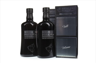 Lot 318-TWO BOTTLES OF HIGHLAND PARK 1999 FULL VOLUME