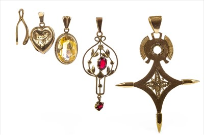 Lot 306-A COLLECTION OF PENDANTS