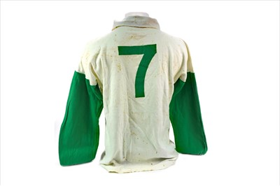 Lot 1910 - STEVIE CHALMERS OF CELTIC F.C. - HIS CELTIC 'AWAY' JERSEY