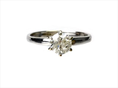 Lot 1350-A DIAMOND SOLITAIRE RING