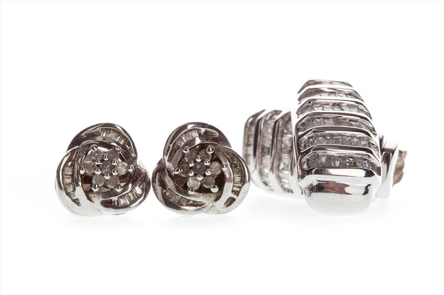 Lot 810-TWO PAIRS OF EARRINGS