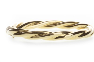 Lot 814-A GOLD TWIST BANGLE