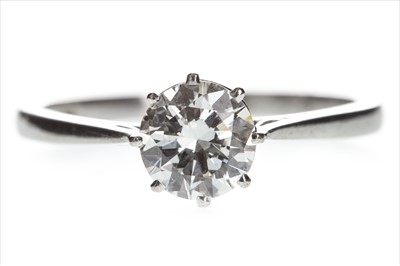 Lot 818-A DIAMOND SOLITAIRE RING