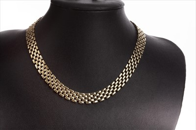 Lot 826-A GOLD NECKLACE