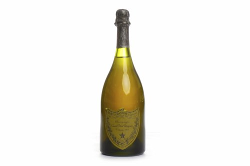 Lot 1400-DOM PERIGNON 1975 Champagne A.C. Epernay,...