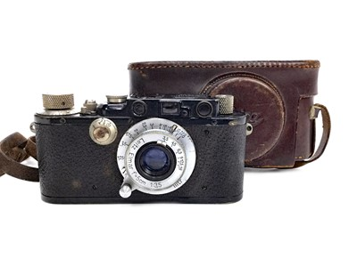Lot 1114-AN EARLY 20TH CENTURY LEICA CAMERA