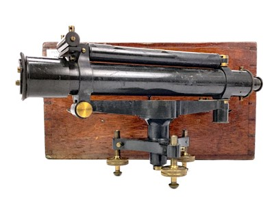 Lot 1117-AN EARLY 20TH CENTURY SURVEYORS LEVEL