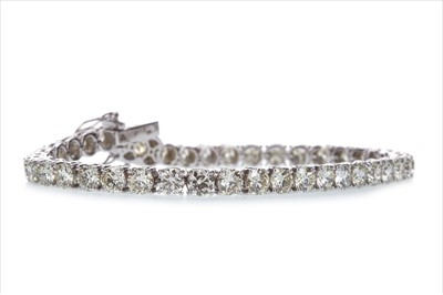 Lot 1440-A DIAMOND TENNIS BRACELET