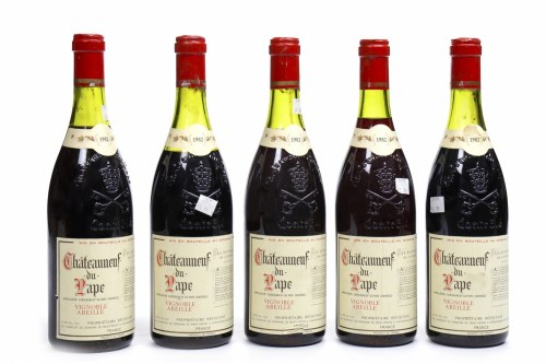 Lot 1416-CHATEAUNEUF DU PAPE 1982 Vignoble Abeille (5) A.C....