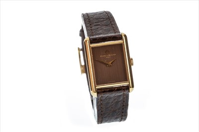 Lot 733 - A LADY'S BAUME & MERCIER GOLD WATCH