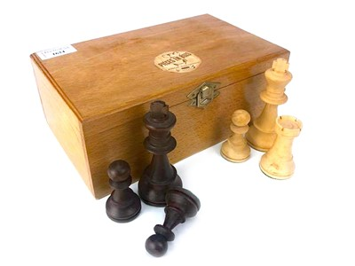 Lot 1624-A MODERN FRENCH 'STAUNTON' TYPE CHESS SET
