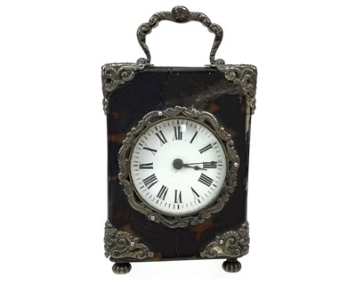 Lot 1147 - A LATE VICTORIAN TRAVELLING TIMEPIECE