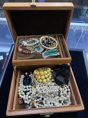 Lot 9-A LOT OF COSTUME JEWELLERY INCLUDING NECKLACES