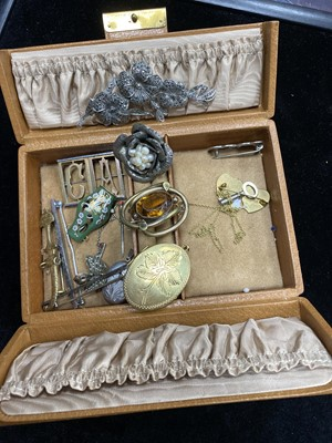 Lot 13-A LOT OF SILVER AND OTHER JEWELLERY