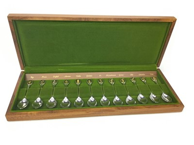 Lot 501-A SET OF TWELVE ROYAL HORTICULTURAL SOCIETY SILVER SPOONS
