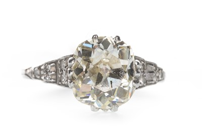 Lot 1337-A DIAMOND SOLITAIRE RING