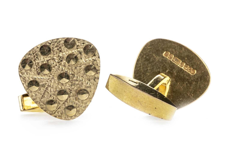 Lot 306-A PAIR OF 1960'S GOLD CUFFLINKS