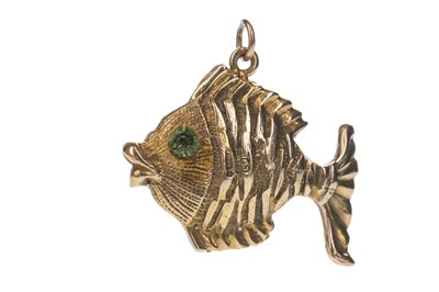 Lot 340 - A GOLD FISH CHARM
