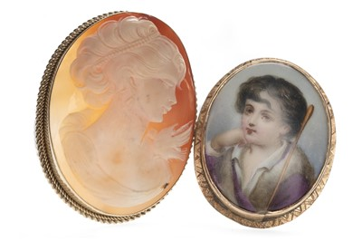 Lot 342 - TWO BROOCHES