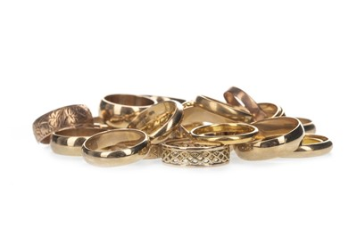 Lot 361 - TWENTY THREE GOLD WEDDING BANDS