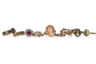 Lot 368 - TEN RINGS AND ONE PARTIAL RING