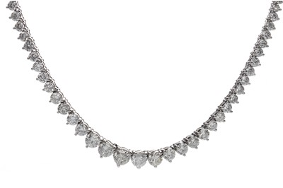 Lot 391 - A DIAMOND RIVIERA NECKLACE