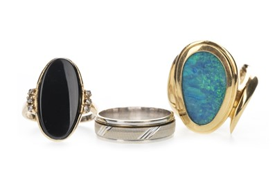 Lot 403 - AN OPAL DOUBLET RING, BLACK HARDSTONE RING AND A WEDDING BAND