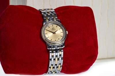 Lot 719-A LADY'S OMEGA DE VILLE STAINLESS STEEL QUARTZ WRIST WATCH
