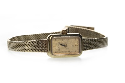 Lot 720 - A LADY'S NINE CARAT GOLD ROAMER WRIST WATCH